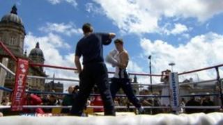 Luke Campbell sparring