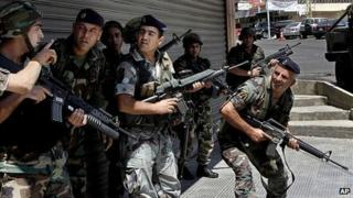 Lebanese soldiers take position in Sidon. 23 June 2013