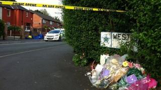 Tributes to Linzi Ashton on Westbourne Road