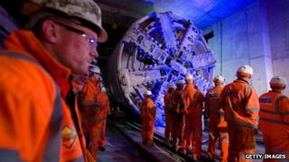 The tunnelling machine breaks through at Canary Wharf