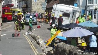 Motorhome crashes in Beer