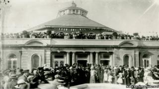 The opening of the Villa Marina