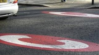 Congestion charge zone road markings