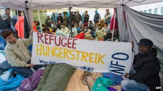 Asylum seekers on hunger strike in Munich, 24 Jun 13