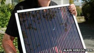 Dye-sensitised solar cell