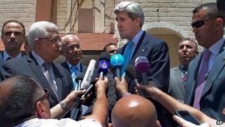 John Kerry with Mahmoud Abbas in Ramallah on 30 June 2013