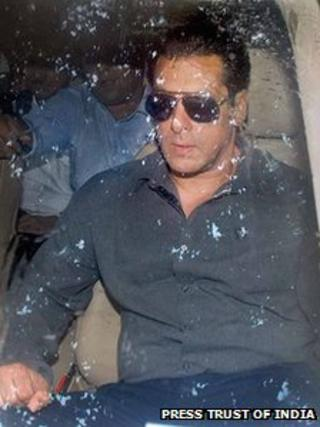 Salman Khan leaving court on 24 July 2013