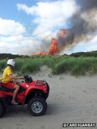 Poppit Sands grass fire - courtesy @CardiganBay