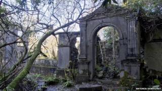 Brynkir ruins