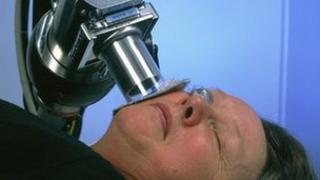 woman having radiotherapy