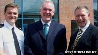Supt Mark Travis (l) with Charles Moyle and Det Insp Stuart Murphy