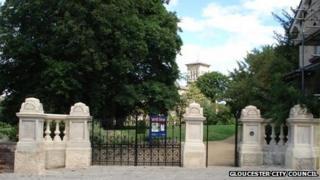 Hillfield Gardens gates