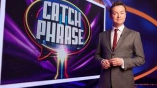 Stephen Mulhern on the set of Catchphrase