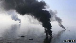 Smoke billowing from burning Gulf oil rig