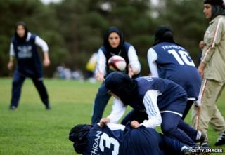 Women playing rugby in Tehran in 2007