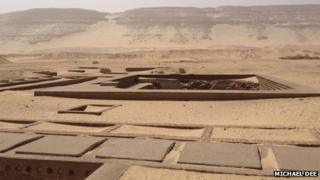 Tombs where the First Dynasty kings of Egypt are buried (Michael Dee)
