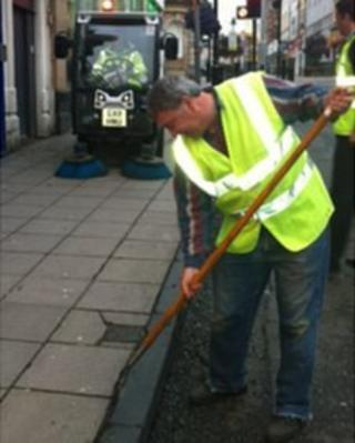 Street cleaning in Scarborough