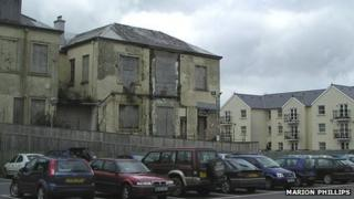 Former Carmarthenshire Infirmary (Pic: Marion Phillips)