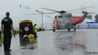 Helicopter lands on Plymouth Hoe