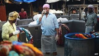 People drinking chai in Mumbai