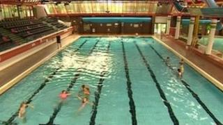 nhs give threatened hull pool 39 breathing space 39 reprieve bbc news. Black Bedroom Furniture Sets. Home Design Ideas