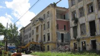 Collapsed building in Havana on 24 September 2013