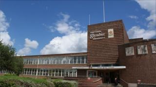 Prifysgol Glyndŵr