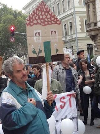 People demonstrate in support of homeless people, Budapest, 30/09/13
