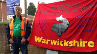 Andy Summers from Warwickshire NUT outside Kenilworth School