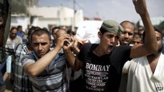 Funeral of Huwayshel Hawajira in Gaza (01/10/13)