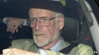 David Kelly leaving the House of Commons in 2003