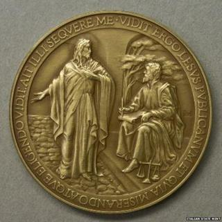 """The withdrawn papal coin showing the word """"Jesus"""" misspelt as """"Lesus"""""""