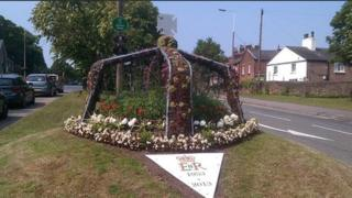 Woolton crown flower display
