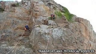 Rock fall on Mount Bingham