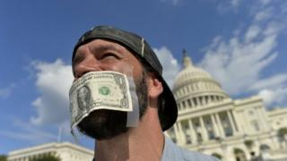 Analysts say the US government's partial shutdown has affected the dollar's popularity