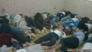 Photo purportedly showing Syrian refugees unlawfully detained in Egypt