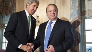 US Secretary of State John Kerry and Pakistani PM Nawaz Sharif in Washington. Photo: 20 October 2013