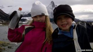 Mia and Martin Rodal with their bottle find in April 2012
