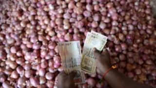 Analysts say rising onion prices will affect the ruling Congress party's chances in upcoming state polls