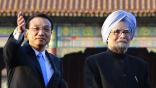 Premier Li Keqiang and his Indian counterpart Manmohan Singh have backed stronger bilateral ties