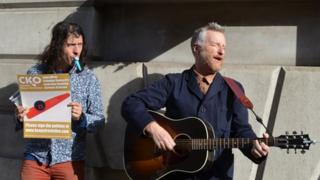 Billy Bragg singing