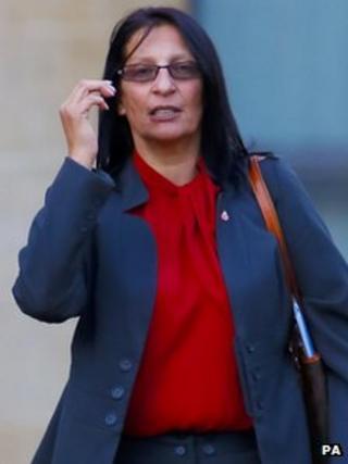Elaine Pledge outside Winchester Crown Court