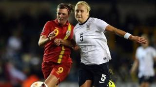 Helen Ward a Steph Houghton