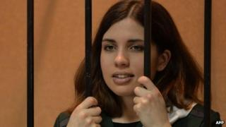 Jailed Pussy Riot member Nadezhda Tolokonnikova in the defendant's cage in court in Mordovia (26 April 2013)
