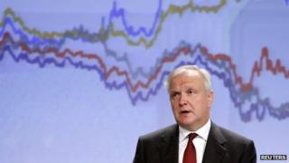 European Union Economic and Monetary Affairs Commissioner Olli Rehn presents the EU executive's autumn economic forecasts during a news conference at the EU Commission headquarters in Brussels