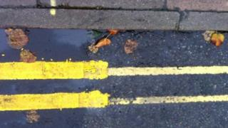Louth yellow lines