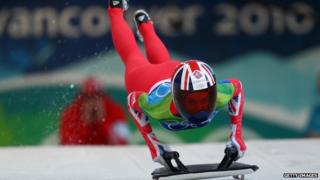 Amy Williams sets off on skeleton run