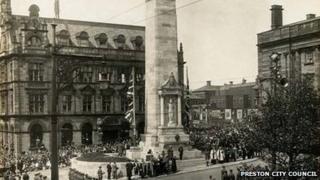 Preston Cenotaph in 1922