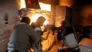 Syrian rebel fighters in Aleppo (18 November 2013)
