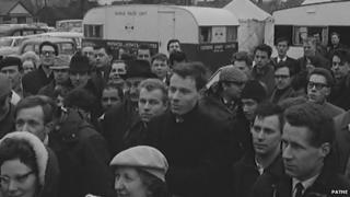 Queue for houses in 1964